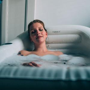 Tubble uppblåsbart badkar - Annorlunda presenter