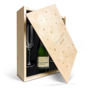 Champagneset med glas - Perfekta bröllopspresenten till par