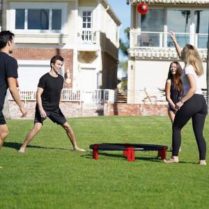 Kickball spel - Presenter till utomhusfest